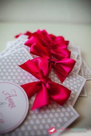 różowa wstążka zaproszenia ślubne