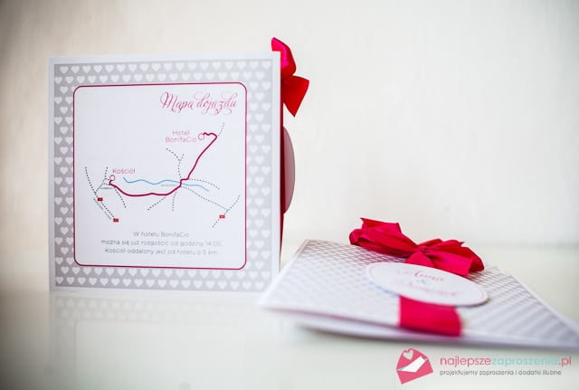 mapka na zaproszeniu ślubnym