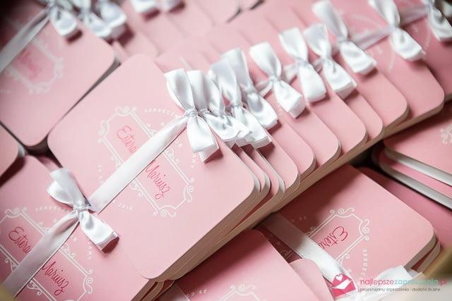 różowe zaproszenie pudrowy róż