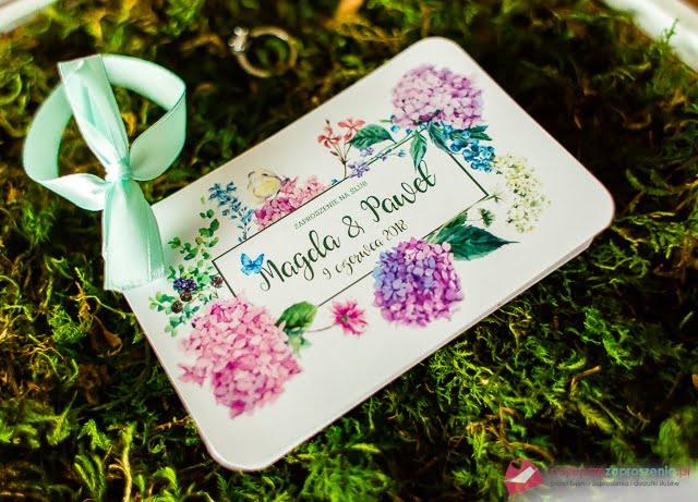 Zaproszenia ślubne zkwiatami hortensji