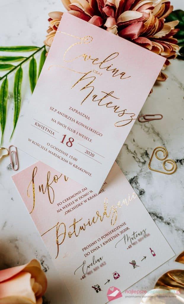pudrowe zezłoceniem zaproszenia ślubne glamour
